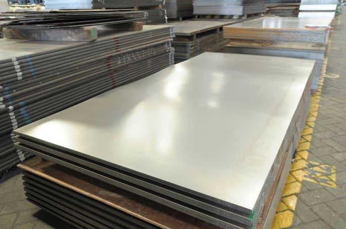 Jual Besi Plat Surabaya dengan Harga Kompetitif dan Berkualitas